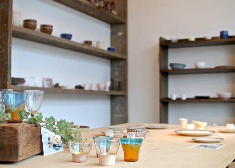 MY TABLE: Tableware that Tells a Story