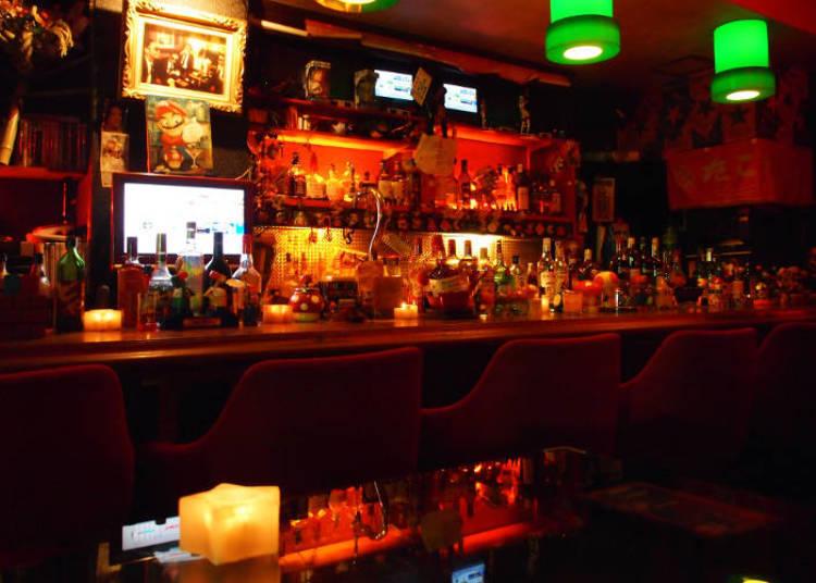 ユニークなバーといえばShot Bar Star Club