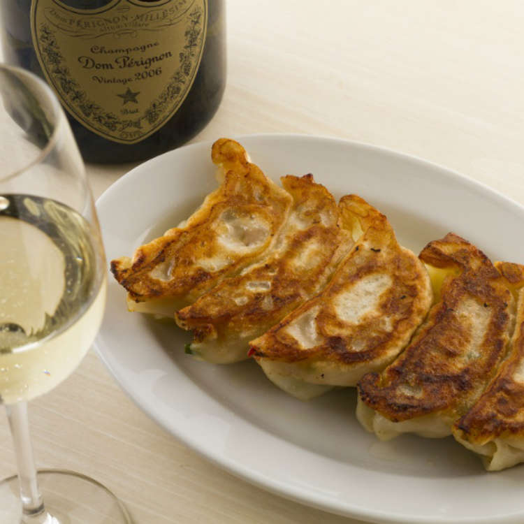 Gourmet Trend: An Elegant Evening with Choice Wine and Delicious Gyoza at Tachikichi Gyoza