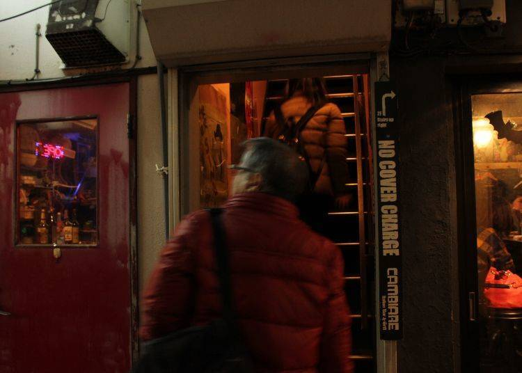 Pub-Crawling Makes You Fall in Love with the Entirety of Golden Gai