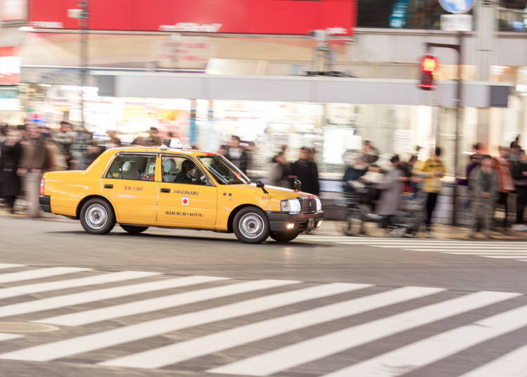 A Fun, Affordable Airport Taxi for Groups