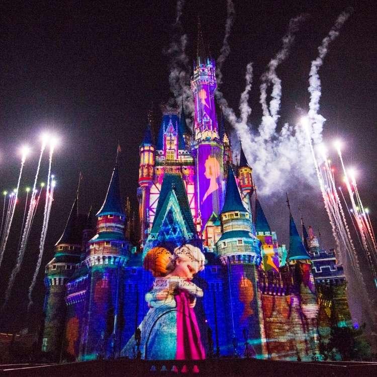 "[13 Januari (Jumat) - 17 Maret (Jumat) 2017] ""Anna and Elsa's Frozen Fantasy"", Event Spesial di Tokyo Disneyland"