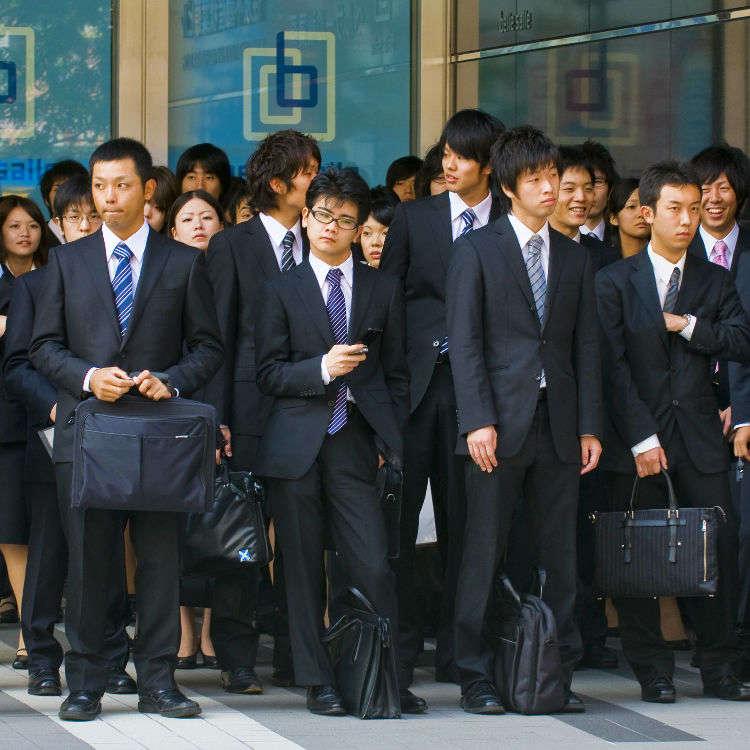 일본의 취업활동 대학생을 괴롭히는 일괄채용이라는 장벽