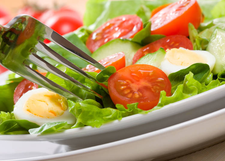 2.外食時に野菜が少ないし生ばかり……