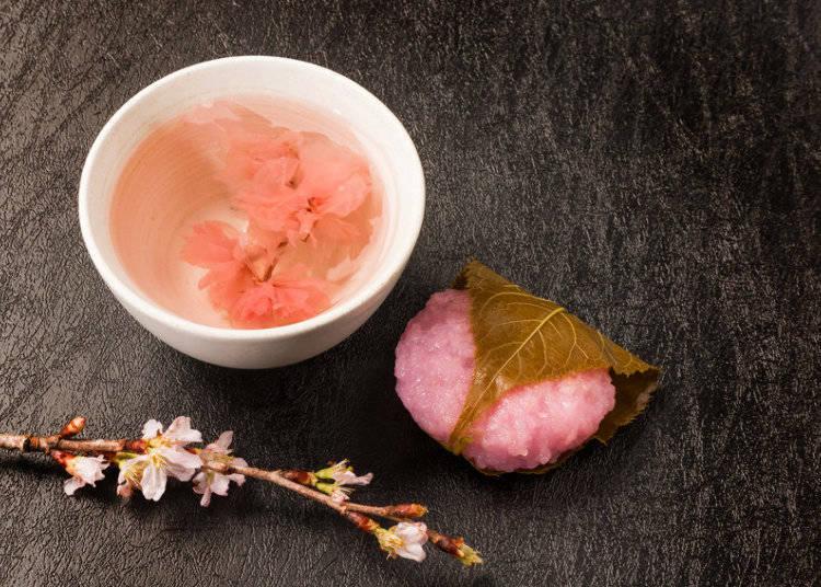 桜味のスイーツとドリンク
