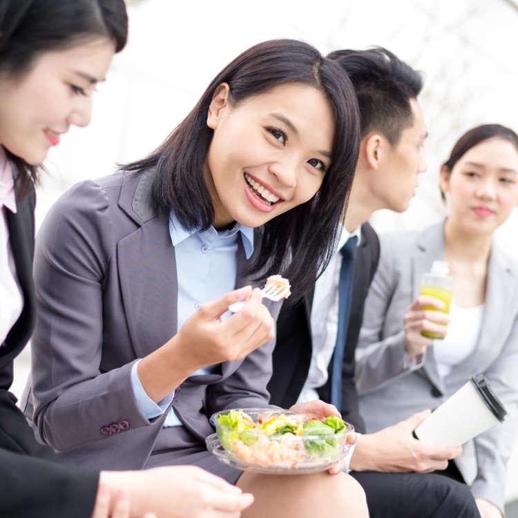 【日本好奇妙】看似愛好團體行動的日本人,其實大部分的OL都一個人午餐!