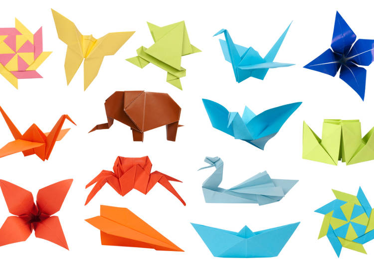 This Form Of Paper Artwork Can Range From Simple To Complex Cranes Hats Animals Flowers And Shuriken Are Among The Most Common Traditional Origami