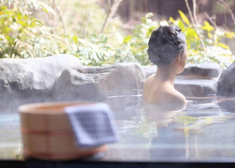 不可将毛巾放进温泉、钱汤(公共澡堂)等的浴池内
