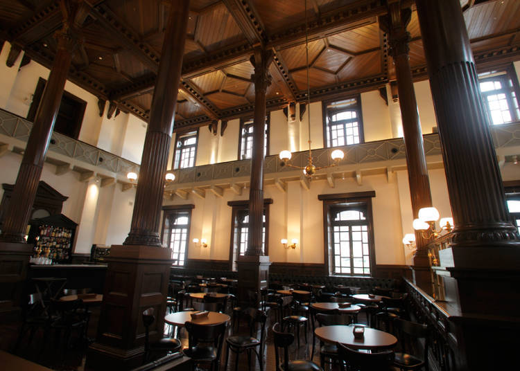 Café 1894: Starting Your Day in a Modern Café