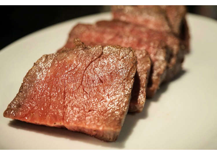 밤 8시 이후 입장하면 1,000엔으로 소고기, 돼지고기, 닭고기가 무제한! 장소는 신주쿠!