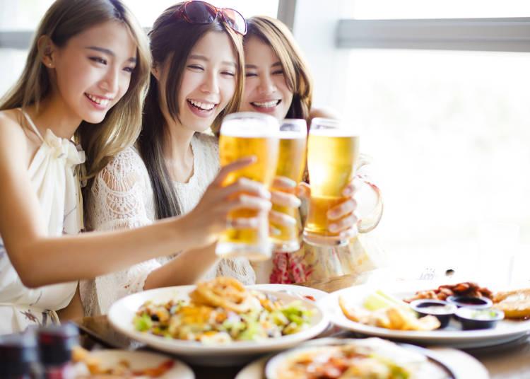 二、不管是食物或飲料,會等大家的菜都上好了才開動