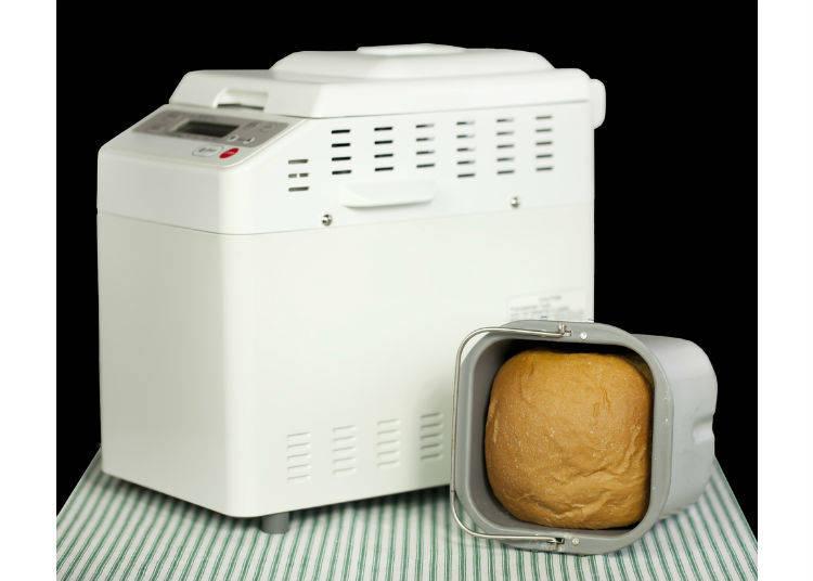 日本的家庭主婦最愛之一   麵包機
