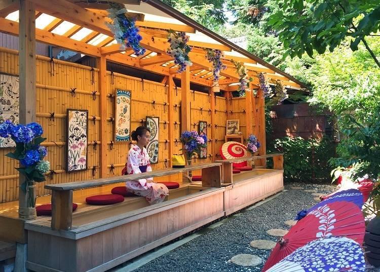 Relax and Rest Your Feet at the Café Ashiyukisa Tsubakiya