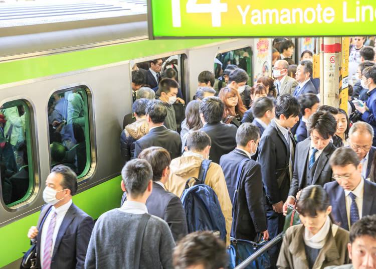 12.避免在电车高峰时刻携带大型行李