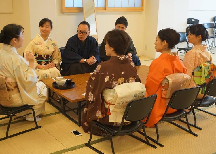 着物を着て、さあ何をしよう!「日本文化体験サロン」