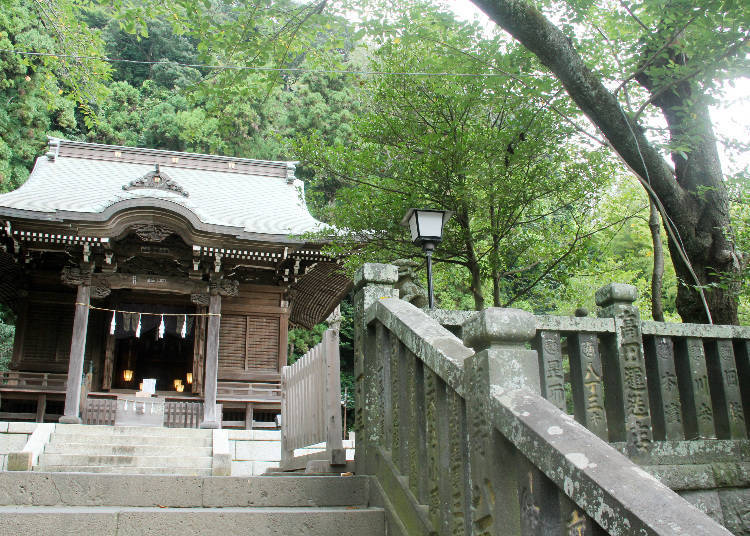 1) Goryo Shrine: A Tranquil Place Honoring a Brave Samurai