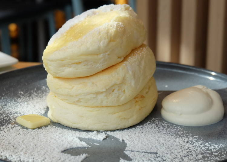 Micasadeco & Café: a Pancake Tower with Ricotta!
