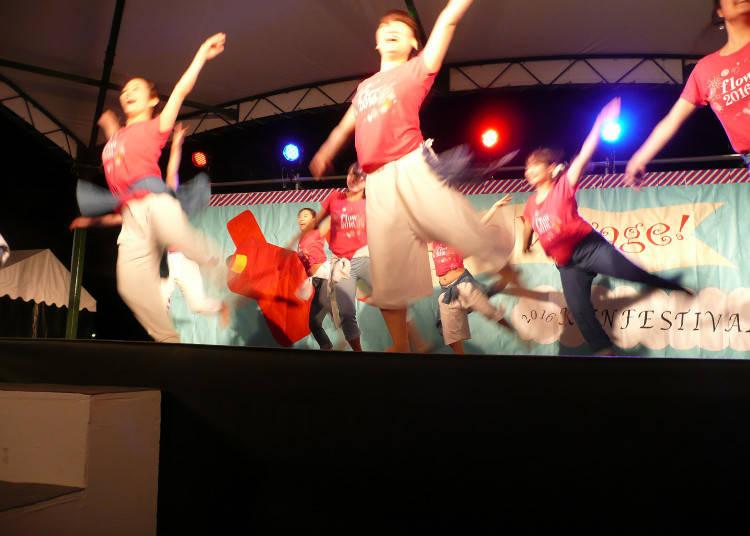 从表演活动到美食,可以一次同时享受各种各样活动的乐趣是学园祭的魅力所在!