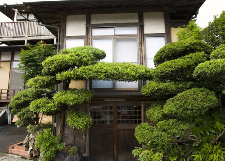 囲炉裏、和布団、縁側で昔ながらの日本の文化を感じる