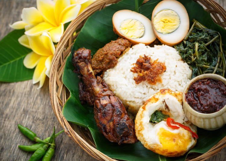 インドネシア人が食べたいのはソウルフード「ナシチャンプル」