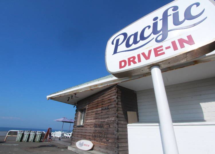 SPOT3)海辺の「パシフィックドライブイン」で味わう ハワイ気分の朝食&ランチ