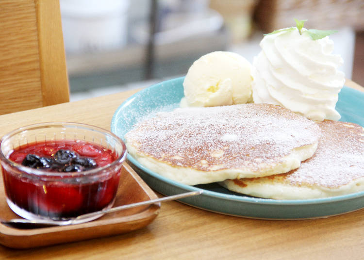 Eating with Kids 3: Try the Heavenly Pancakes of Café Michikusa