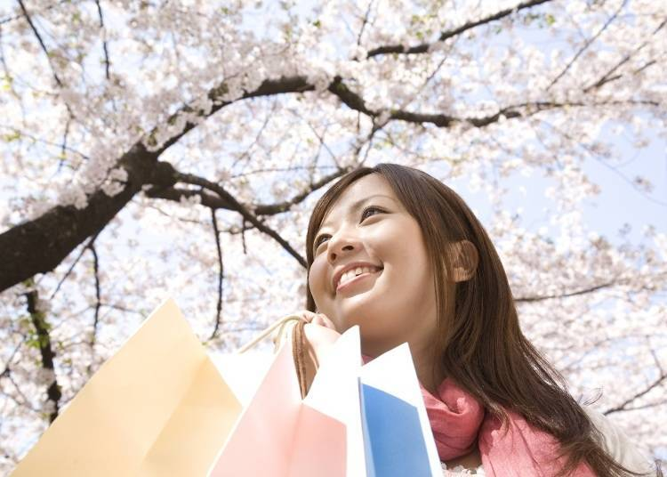 Solo Travel: Shopping