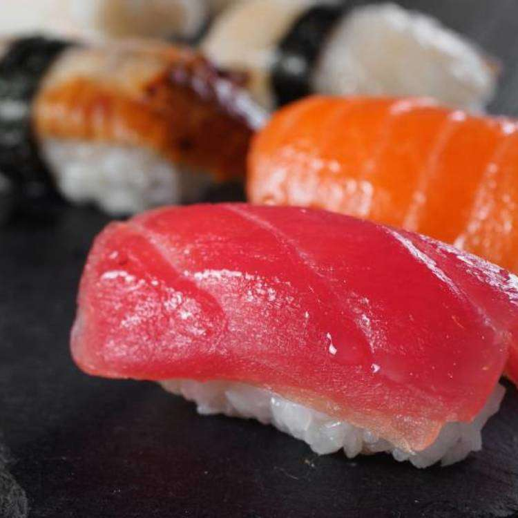 Lunch in Shinjuku: Enjoy Wagyu, Sushi, and Tempura for Very Little Money!