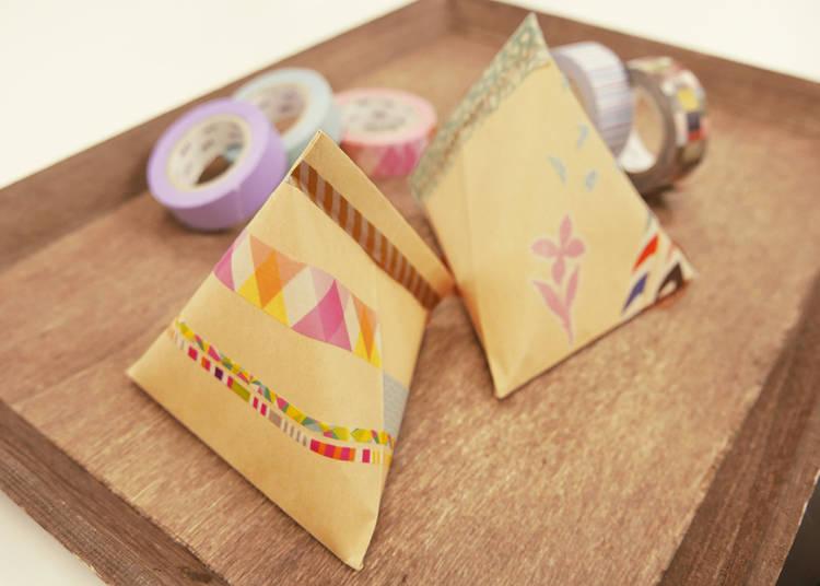 Pyramid-shaped Gift Bag