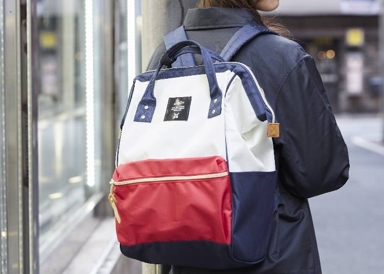 入れ口が広く荷物の出し入れがやりやすい大容量バッグ/「口金リュック」