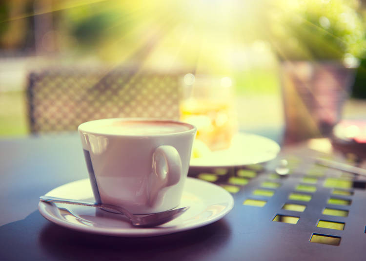 7:カフェやレストランなど、外食店の利用頻度が高いフランス