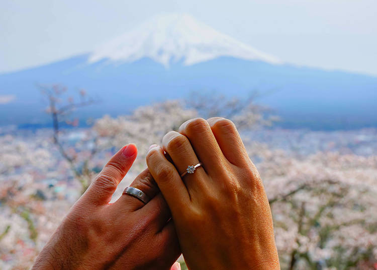7. You Can Have a Wedding at Mount Fuji?!