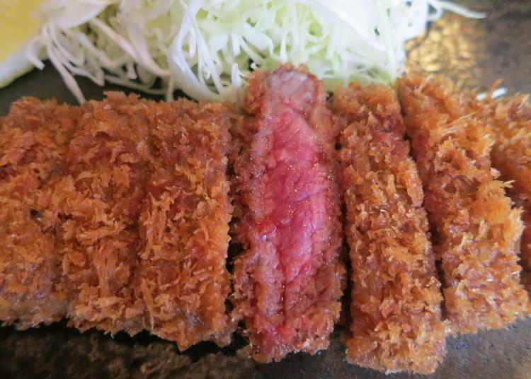 3.  関西ではスタンダード「牛カツ」のお得ランチ ミディアムレアをワサビでいただこう