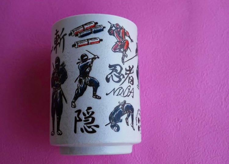 寿司屋の湯呑みを自宅でも。日本らしいデザインでお土産に絶好