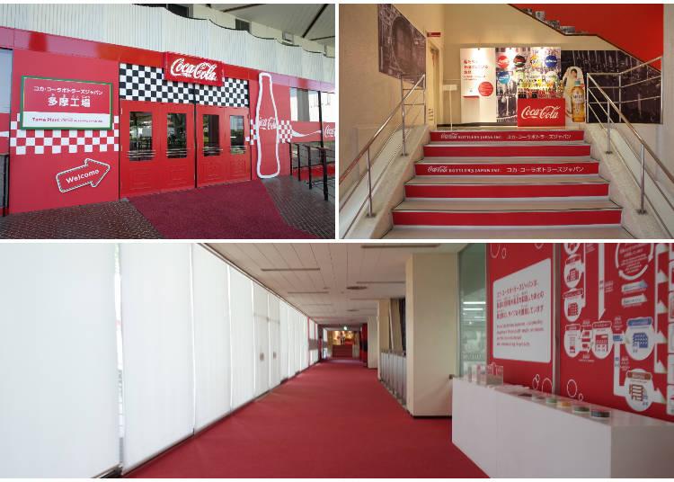入り口は真っ赤な「コカ・コーラ」カラー!内装も、「コカ・コーラ」グッズでいっぱい!