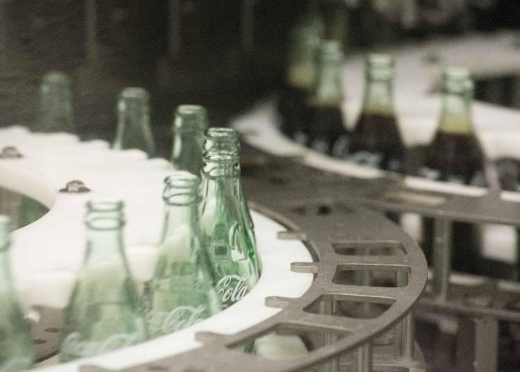 これぞ工場見学の目玉!工場ならではの製造ラインの様子を間近で見られる!