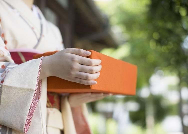 日本の風習「手土産」とは?