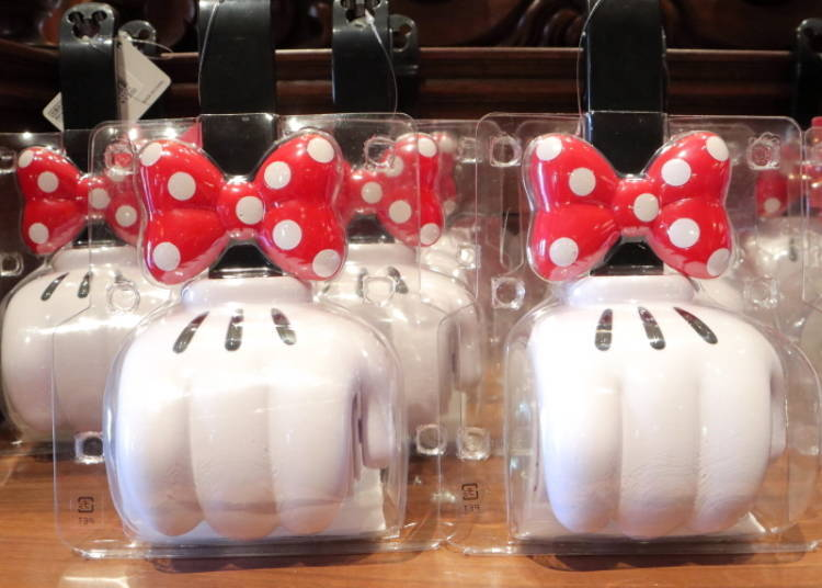 Pick Up Dust and Small Trash with Minnie Mouse Mini Dust Roller, 1200 yen