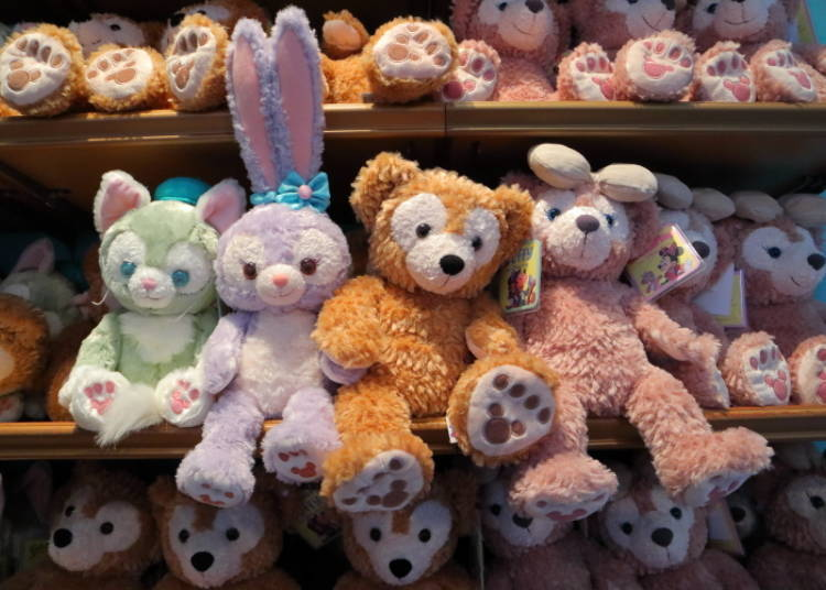 Duffy & Friends Plushies (S): Take Them Through the Park! (3,900 yen each)