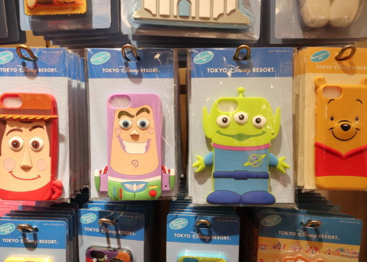 Silicone Smartphone Cases: a Quirky 3D Design of Your Favorite Characters! (2,400 yen each)