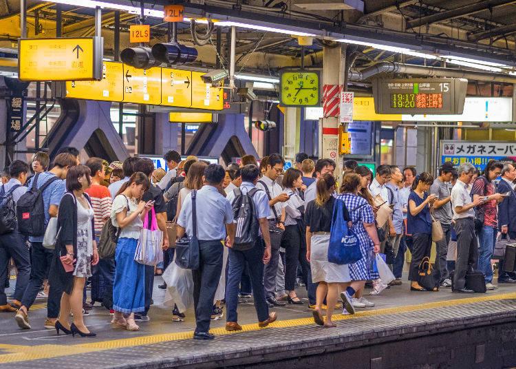 No. 10: 176% Congestion Rate – Keihin Tohoku Line (Kawaguchi Station → Akabane Station)