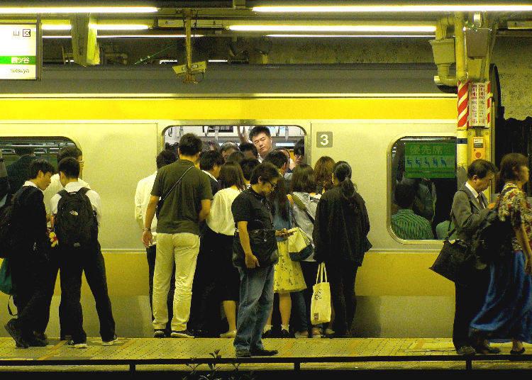 No. 8: 181% Congestion Rate - Sobu Line (Rapid) (Shinkoiwa Station → Kinshicho Station)
