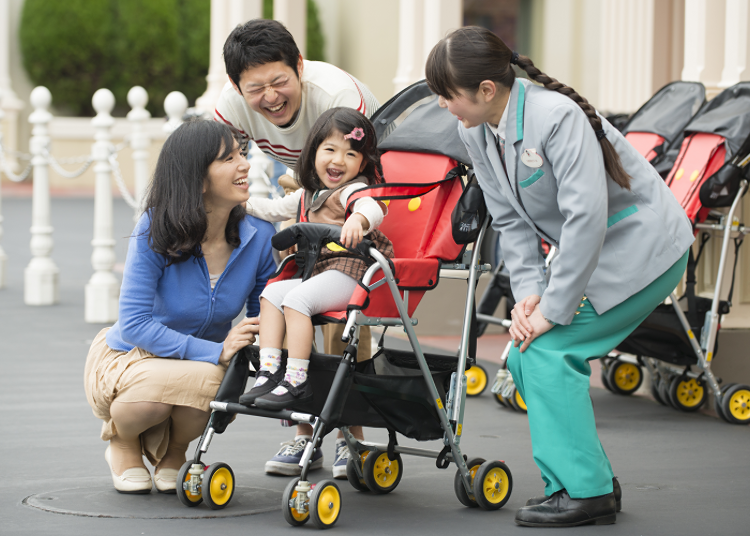 14) The Park with Children: Renting a Stroller for 1,000 Yen Per Day!