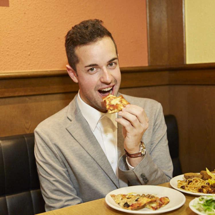 ピザの本場イタリア人が食べ放題「シェーキーズ」に行ってみた!日本のピザバイキングの実力はいかに…