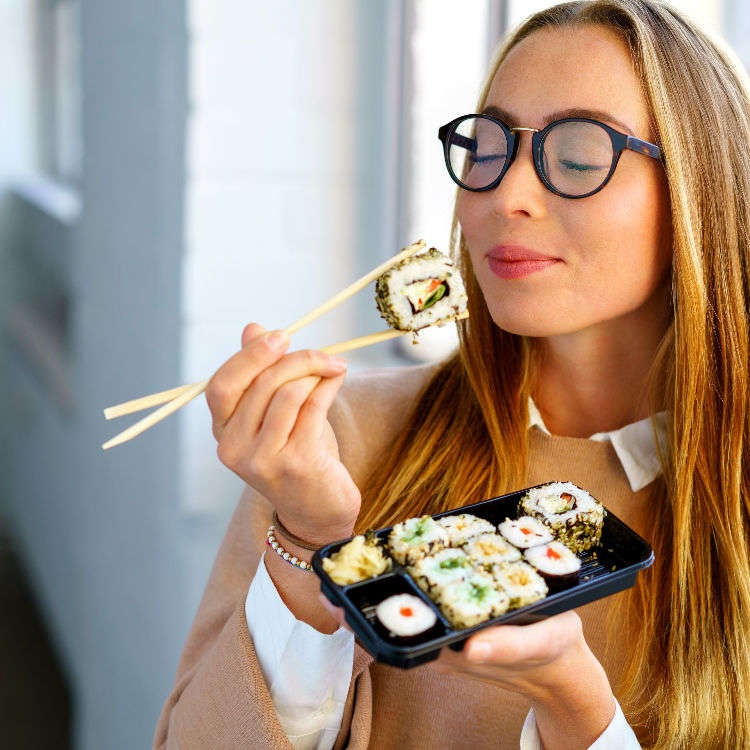 How to Eat Sushi: Answers to 6 Questions You Were Always Wondering (But Too Afraid To Ask)!