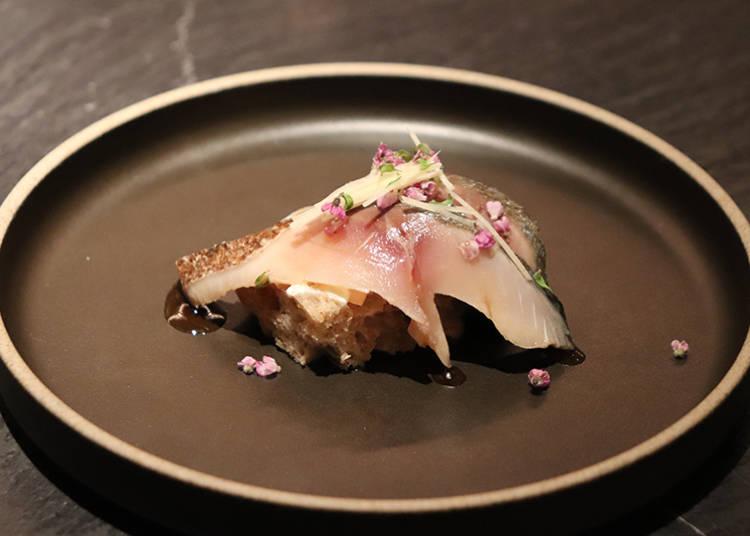 ■お寿司のような感覚のオリジナル・タルティーヌは日本酒との相性抜群