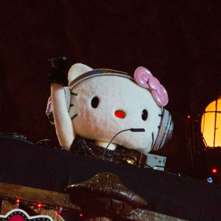 Hello Kitty gets spooky for Halloween at SPOOKY PUMPKIN 2018!