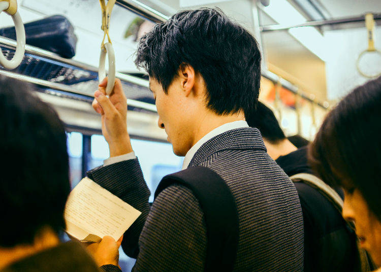 """Understanding Japan's Train Etiquette with the """"Most Annoying Behavior Ranking"""""""