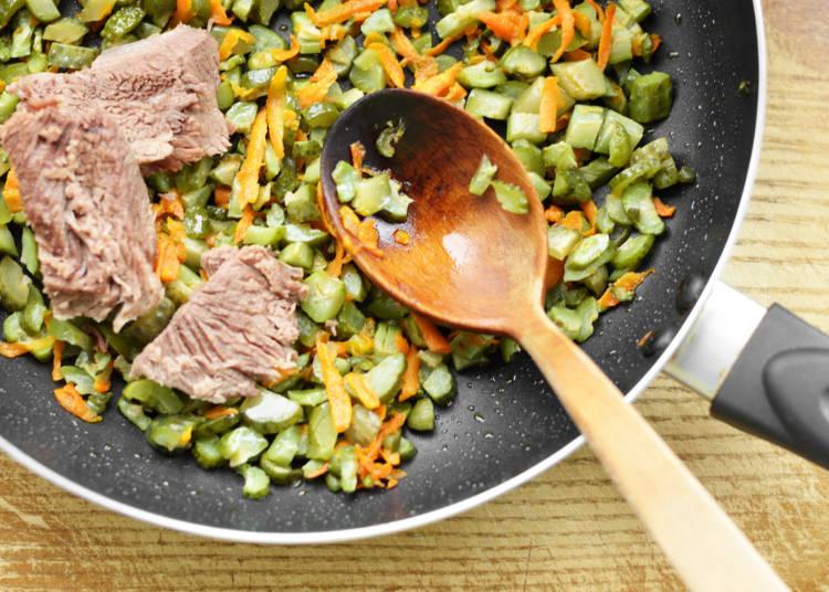 旅行中に料理も!簡単に作れる「炒め物」