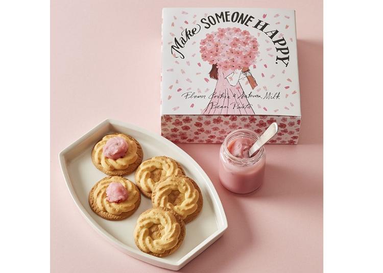 ■クッキーを桜色に染めて楽しむ「フラワークッキー&さくらミルクあん」